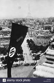 History Of The German Flag Swastika Flag On The Arc De Triomphe After German Occupation