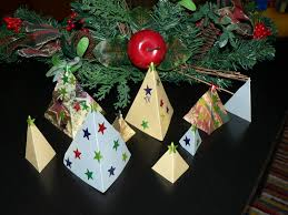 mama pea pod paper christmas tree forest decoration easy craft