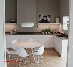 deco cuisine taupe chaise cuisine grise pour idees de deco de cuisine cuisine