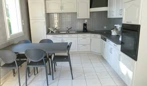 home staging cuisine chene relooker une cuisine rustique en ch ne avec home staging cuisine