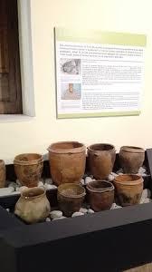foto vasi vasi a bombarda photo de museo dei brettii e degli enotri