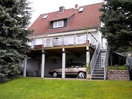 carport mit balkon bild carport unter balkon in rotenburg a d fulda