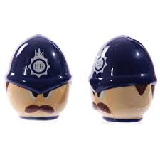 novelty salt and pepper shakers policeman salt pepper pots novelty salt and pepper pots
