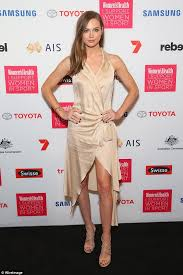 toyota commercial actress australia laura dundovic and anna heinrich lend their support to women s