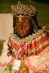 robe de la mã re de la mariã e la vierge sainte patronne des gitans saintes maries