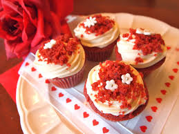 the alchemist super moist red velvet cupcakes