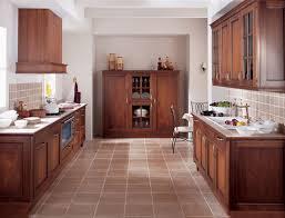 cuisine bois rustique photo le guide de la cuisine cuisine rustique en bois avec sol