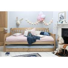 Daybed With Pull Out Bed Daybed Pictures Of A Daybed Show Me Pictures Of Daybeds