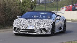 lamborghini huracan grey lamborghini huracan performante spyder spied stripping off camo