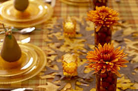 ways how to flawlessly decorate a thanksgiving table