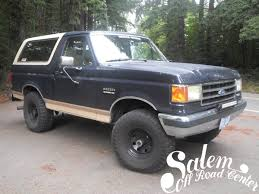 1990 ford bronco with 2 bds suspension lift engo 20 led light