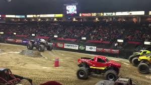 bigfoot monster truck videos youtube monster trucks race bigfoot vs snake eyes 2017 covelli center