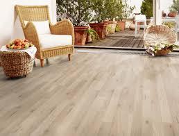 Kaindl Laminate Flooring Reviews Kaindl Laminate Classic Touch 7 0 Standard Plank Oak Trevi