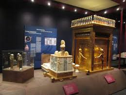 the canopic containers holding king tut u0027s organs in miniature