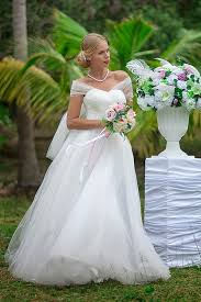 wedding dresses for rent wedding and evening dresses for rent in koh samui