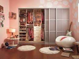 Small Bedroom Built In Wardrobe Bedroom Music Themed Bedroom Accented By Built In Closet Drawers