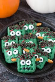15 amazing and fun halloween treats classy clutter