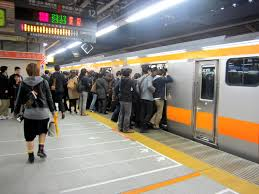 5 rules of train etiquette in japan that you should never break