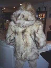Real Fur Blankets Arctic Timber Wolf Pelts Hides Skins Forclothing Throwrugs Wall