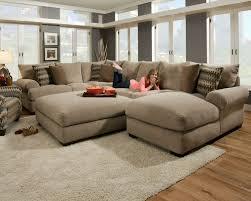 canapé couleur taupe déco salon gris et taupe pour un intérieur raffiné ideeco