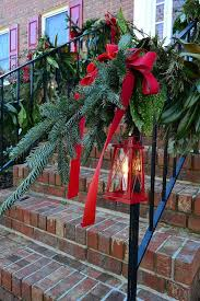 Christmas Outdoor Lanterns Decorations by 35 Cool Christmas Lanterns Decor Ideas For Outdoors Gardenoholic