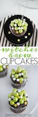 simple halloween cakes witches brew cupcakes the easiest halloween cupcakes