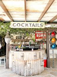 15 ways to style your cocktail bar