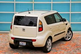 2010 2013 kia soul used car review autotrader