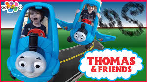 thomas the train halloween costume 2t thomas the tank engine ride on car foot to floor dynacraft toys