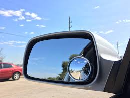 Driving Blind Spot Check How To Use Blind Spot Mirrors Yourmechanic Advice