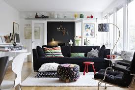 Wohnzimmer Einrichten Mit Schwarzer Couch 20 Zimmereinrichtungen Beweisen Schwarze Möbel Sind Bezaubernd