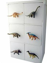 Hilarious Ways To Upcycle Plastic Dinosaurs Legs Dog And Room - Dinosaur kids room