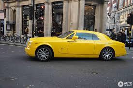 yellow rolls royce rolls royce phantom coupé 30 may 2017 autogespot