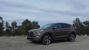 reviews on hyundai tucson review 2016 hyundai tucson drives like a sedan