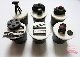 canon camera themed cupcakes cuppyandcake canon camera