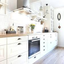 parquet pour cuisine leroy merlin parquet special cuisine cuisine blanche parquet carrelage mactro