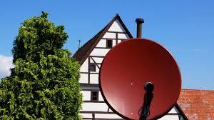 satellitensch ssel f r balkon satellitenschüssel ausrichten tipps für ein starkes signal