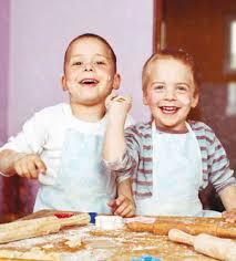 les enfants en cuisine ateliers de cuisine pour gastronomes vacanciers gourmets de
