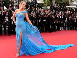 blake lively channels queen elsa from frozen in bump flaunting