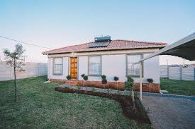 3 bedroom 2 bath tuscan houses in glenway estate next to mahube