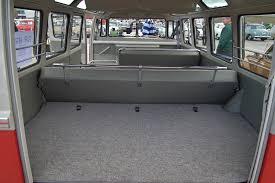 volkswagen bus interior file 1960 volkswagen t1 transporter deluxe 21 window bus