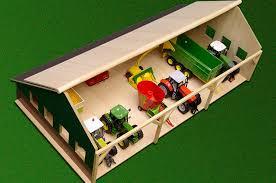 tracteur en bois kids globe 610224 hangar en bois pour tracteurs grand modèle