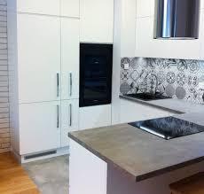 plan travail cuisine beton cire design interieur crédence cuisine carreaux ciment gris plan travail