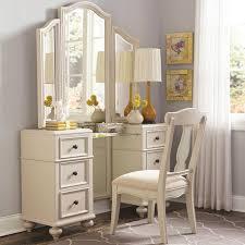 Bedroom Set With Vanity Dresser Bedroom Set With Vanity Dresser Pictures Calm Ideas For