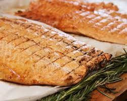 cuisiner un saumon entier recette saumon entier au four facile rapide