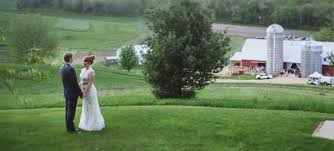 Round Barns In Wisconsin Stunning Wisconsin Barn Wedding Venue Set On 200 Acres