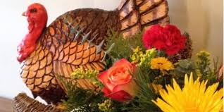 floral arrangements for thanksgiving table dress up your thanksgiving table with flower arrangements from