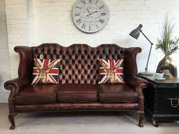 Chesterfield Sofa Vintage by Stunning Vintage Wing Back Queen Anne Chesterfield Sofa Can