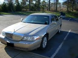 2004 lincoln town car overview cargurus
