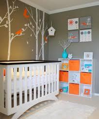 chambre bébé gris et turquoise chambre enfant chambre bébé neutre accents orange turquoise